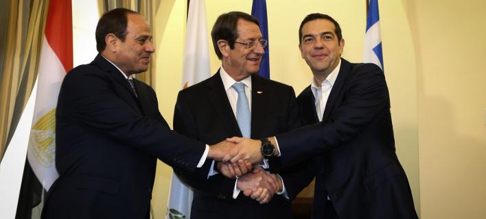 O Αλέξης Τσίπρα, με τον πρόεδρο της Κύπρου, Νίκο Αναστασιάδη, και τον πρόεδρο της Αιγύπτου, στρατηγό αλ Σίσι/ Φωτογραφία: Eurokinissi