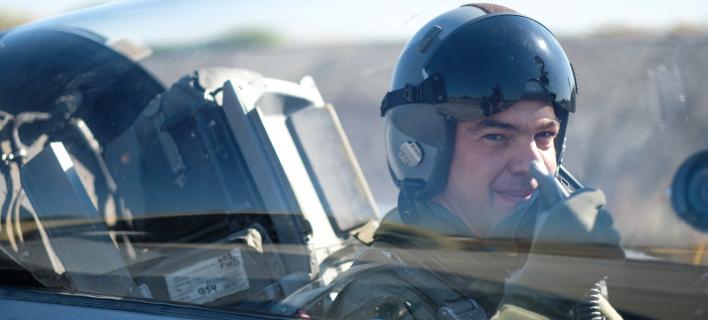 Επίσκεψη του Πρωθυπουργού Αλέξη Τσίπρα στην 110 Πτέρυγα Μάχης της Πολεμικής Αεροπορίας στην Λάρισα / Φωτογραφία: Eurokinissi