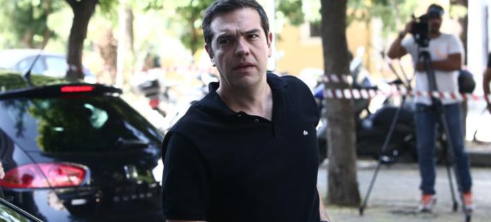 Ο Τσίπρας άλλαξε γνώμη: Κόβει την φιέστα στη Πνύκα, θα πάει Καστελόριζο για την έξοδο από το Μνημόνιο
