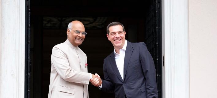 Ο Αλέξης Τσίπρας με τον Πρόεδρο της Δημοκρατίας της Ινδίας/Φωτογραφία: Twitter