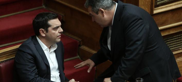 Κυβερνητικό θρίλερ: Ο Τσίπρας αποφασίζει για Καμμένο και Μουζάλα