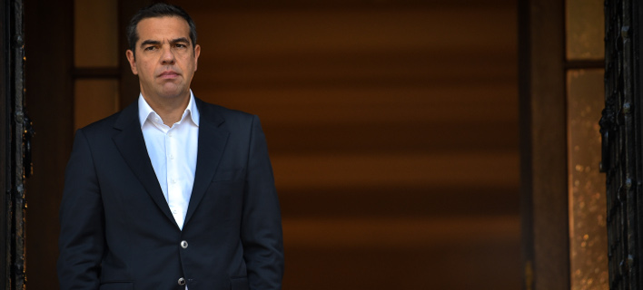 Στα δύο ο ΣΥΡΙΖΑ: Λαϊκισμός η εκλογή ΠτΔ από τον λαό λένε οι «53», ο Φίλης ζητά πλήρη διαχωρισμό Εκκλησίας-κράτους