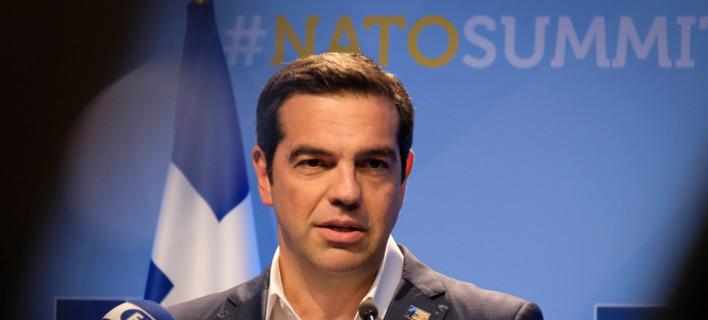 Ο Αλέξης Τσίπρας στη συνέντευξη Τύπου μετά τη Σύνοδο του ΝΑΤΟ -Φωτογραφία: EUROKINISSI/ΓΡΑΦΕΙΟ ΤΥΠΟΥ ΠΡΩΘΥΠΟΥΡΓΟΥ/ANDREA BONETTI