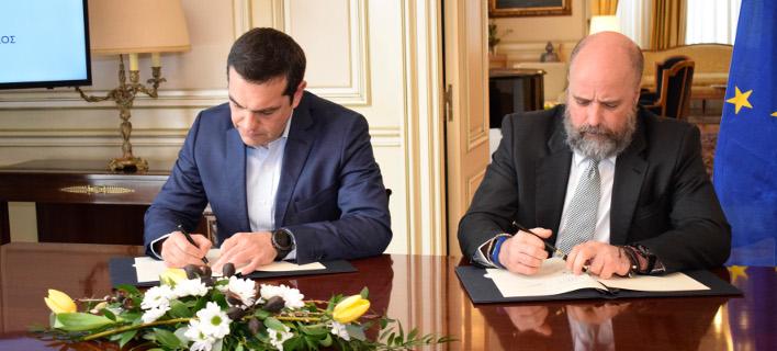 Από την υπογραφή μνημονίου συνεργασίας με το ΚΠΙΣΝ-Φωτογραφία: Ιntimenews