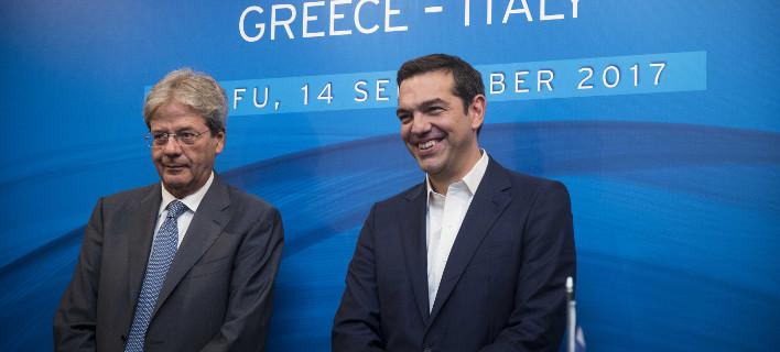 Ο Αλέξης Τσίπρας με τον Ιταλό πρωθυπουργό. ΦΩΤΟΓΡΑΦΙΑ: EUROKINISSI / ΓΡ. ΤΥΠΟΥ ΠΡΩΘΥΠΟΥΡΓΟΥ/ ANDREA BONETTI