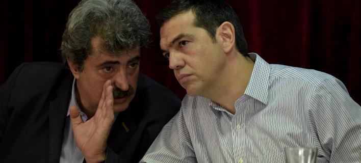 Ο Παύλος Πολάκης και ο Αλέξης Τσίπρας / Φωτογραφία: EUROKINISSI/ΤΑΤΙΑΝΑ ΜΠΟΛΑΡΗ