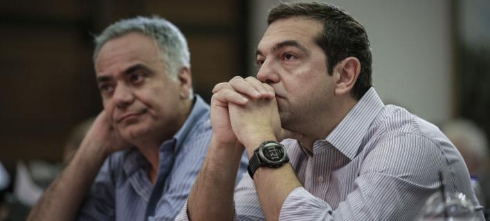 Ο Πάνος Σκουρλέτης και ο Αλέξης Τσίπρας / Φωτογραφία: EUROKINISSI/ΣΤΕΛΙΟΣ ΜΙΣΙΝΑΣ