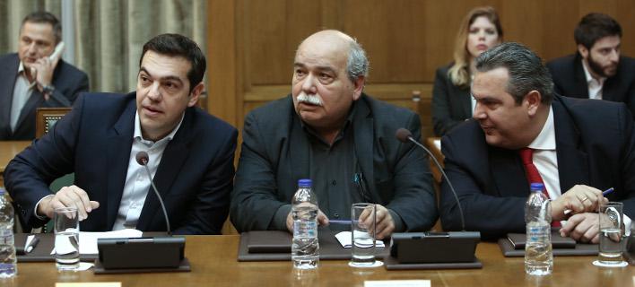 Τι θέλει να κρύψει η κυβέρνηση από τη συζήτηση στη Βουλή για το «θέμα Καμμένου»