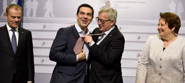 tsipras-yunker-gravata-708_2 Ο Τσίπρας, η γραβάτα και τα πυρά της αντιπολίτευσης