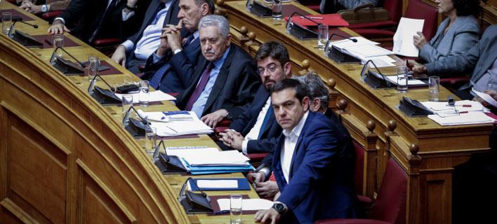 Ο Αλέξης Τσίπρας στη Βουλή / Φωτογραφία AP