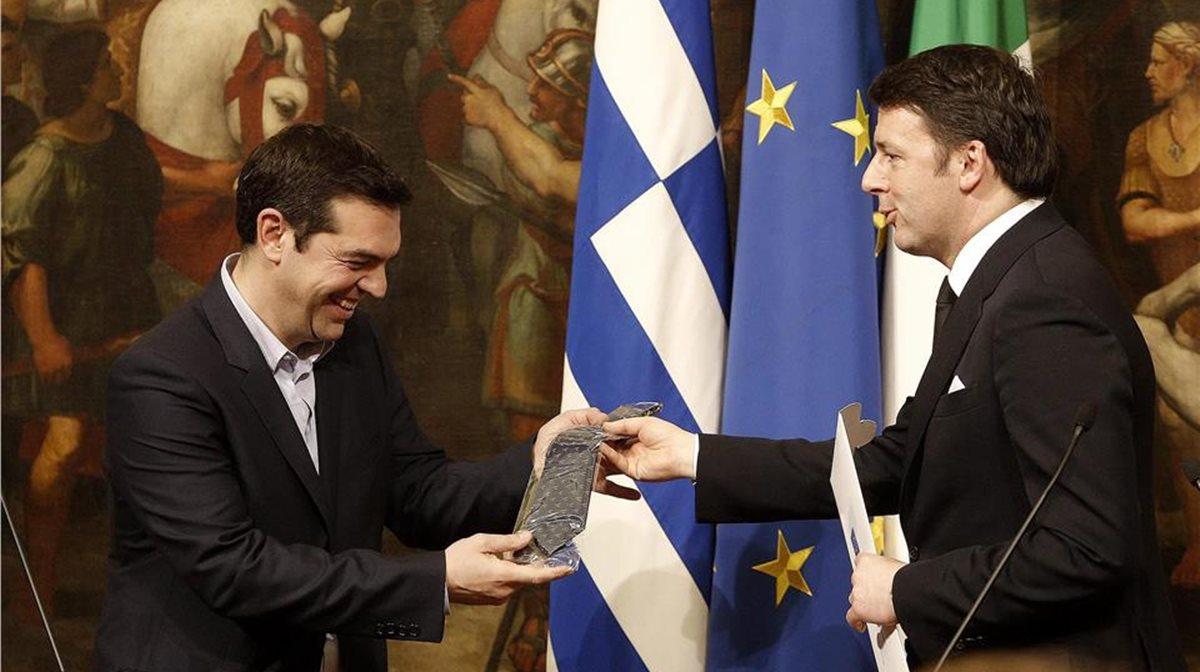 tsipras_rentsi_gravata_0 Ο Τσίπρας, η γραβάτα και τα πυρά της αντιπολίτευσης