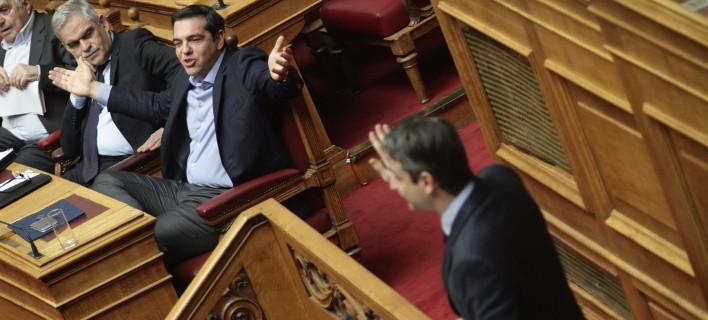 Σκληρή κόντρα κυβέρνησης - αντιπολίτευσης για το πρωτογενές πλεόνασμα