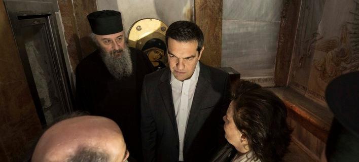 Ολες οι φωτογραφίες που ανέβασε ο Τσίπρας μέσα από τον Πανάγιο Τάφο [εικόνες]