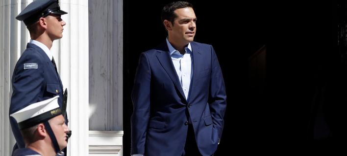 Reuters: Η Ελλάδα δεν πρόκειται να βγει από τα μνημόνια και την εποπτεία εξαιτίας του Τσίπρα