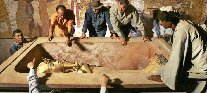 Εσπασαν το μούσι του Τουταγχαμών: Απίστευτη γκάφα στο Μουσείο του Καΐρου