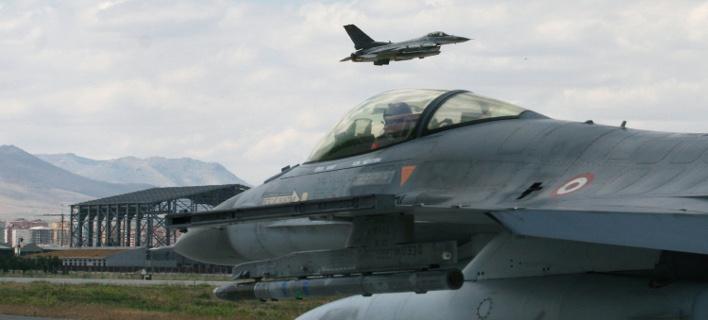 Η Τουρκία αναζητά πιλότους μαχητικών αεροσκαφών στο εξωτερικό σύμφωνα με την Γερμανική ΗandeΙsblatt