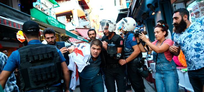 διαμαρτυρία εργαζομένων/Φωτογραφία: AP