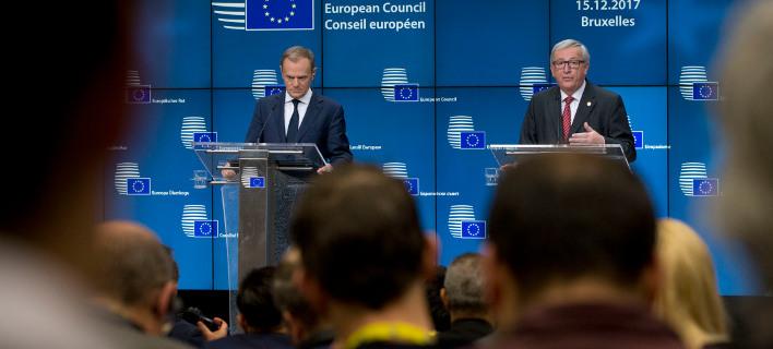 Οι πρόεδροι του Ευρωπαϊκού Συμβουλίου και της Κομισιόν, Ντόναλντ Τουσκ και Ζαν Κλωντ Γιούνκερ (Φωτογραφία: ΑΡ)