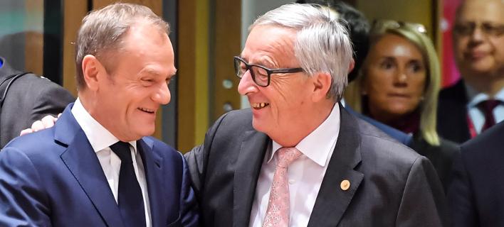 Ντόναλντ Τουσκ & Ζαν Κλοντ Γιούνκερ (Φωτογραφία: AP Photo/Geert Vanden Wijngaert)