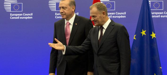 Ο Ντόναλντ Τουσκ με τον Ταγίπ Ερντογάν (Φωτογραφία: AP/ Virginia Mayo)
