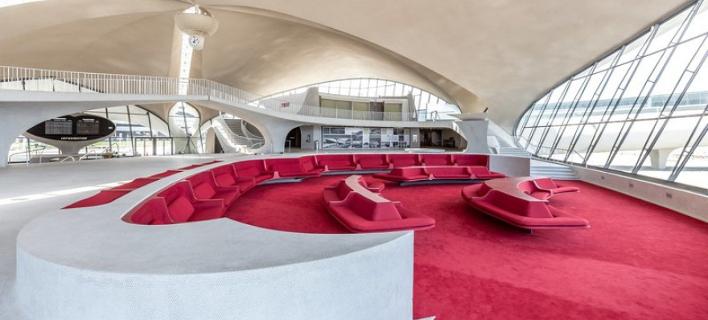 Απίστευτη μεταμόρφωση: Εγκαταλελειμμένο αεροδρόμιο έγινε... sixties style ξενοδοχείο!