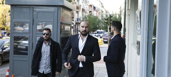 Τζανακόπουλος για το σκέτο «Μακεδονία»: Τυπικά έχουν ακόμα αυτό το δικαίωμα   Πηγή: Τζανακόπουλος για το σκέτο «Μακεδονία»: Τυπικά έχουν ακόμα αυτό το δικαίωμα | iefimerida.gr