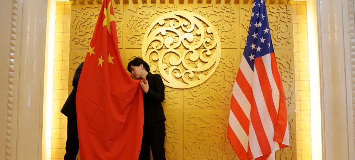 Η αμερικανική και η κινεζική σημαία/Φωτογραφία: ΑΡ
