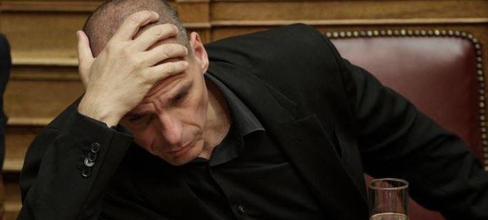 «Καθημερινή» για Βαρουφάκη: Πώς θα σταθεί ο εξευτελισμένος Νάρκισσος  τώρα που ο Τσίπρας τον άδειασε