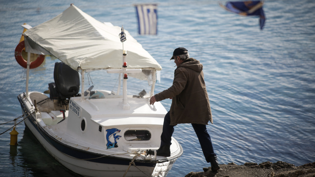 Γέρικο σκαρί, αλλά δυνατό -όπως και ο «έφηβος» της φωτογραφίας -Φωτογραφία: EUROKINISSI/ΣΤΕΛΙΟΣ ΜΙΣΙΝΑΣ