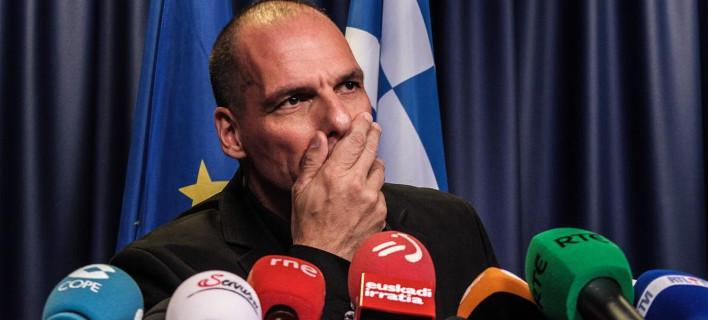 Αποπομπή του Βαρουφάκη εδώ και τώρα ζήτησαν από τον Τσίπρα υπουργοί και κορυφαίοι συνεργάτες του