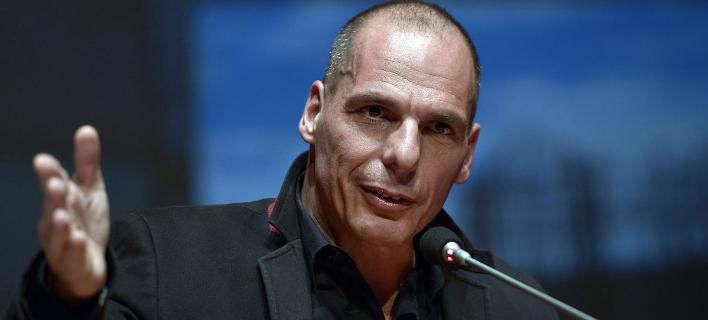 Βαρουφάκης στη Liberation: «Αισθάνομαι λύπη όταν κοιτάζω την κυβέρνηση Τσίπρα»