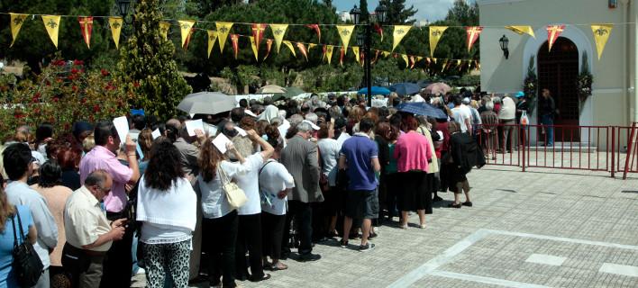 Economist: Οι Ελληνες στρέφονται τώρα στα λείψανα της Αγίας Βαρβάρας για βοήθεια