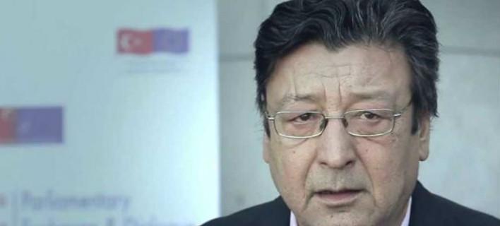 Πέθανε ο καθηγητής εγκληματολογίας Βασίλης Καρύδης