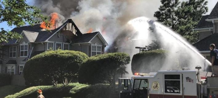 Ελικόπτερο κατέπεσε σε κτίριο διαμερισμάτων στη Βιρτζίνια/Φωτογραφία: twitter