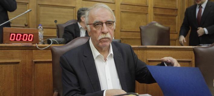 Βίτσας: Δεν γίνεται να κατηγορούμε μόνο την Αθήνα για τα δέματα-βόμβες