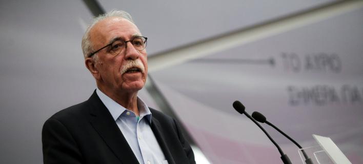 Πολιτικό Συμβούλιο ΣΥΡΙΖΑ: Τα... άκουσε ο Βίτσας από τους «53» για το προσφυγικό