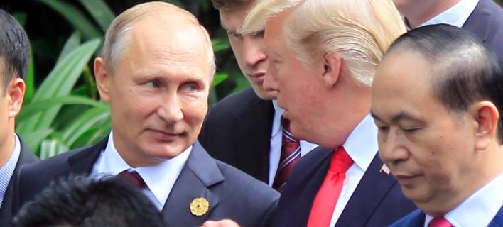 Φωτογραφία: AP/ Το ευχαριστώ του Πούτιν στον Τραμπ για την βοήθεια της CIA που απέτρεψε τη σύλληψη επίδοξων τρομοκρατών