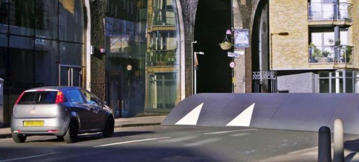 Ποιο αυτοκίνητο περνά από το μεγαλύτερο σαμαράκι στον κόσμο; [βίντεο]