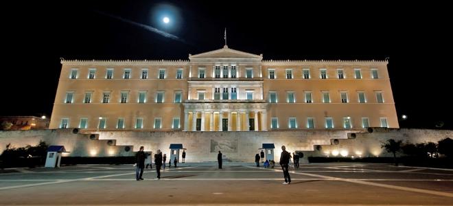 Αύριο ανακοινώνεται η κυβέρνηση - Ολονύκτιο παζάρι για την σύνθεση