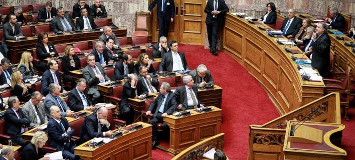 ΝΔ μετά το μπλόκο στο νομοσχέδιο για το ΑΣΕΠ: Εχουμε κυβέρνηση μειοψηφίας -Πάλι ψάχνει πρόθυμους