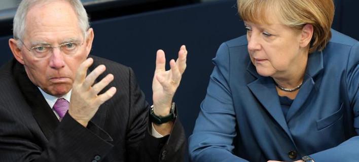 Στα δύο η γερμανική Βουλή: Απειλές για καταψήφιση της συμφωνίας με την Ελλάδα και στο βάθος... τρίτο δάνειο