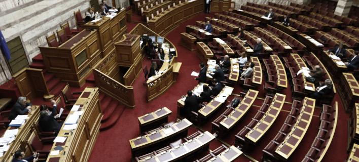 Στη Βουλή κατατέθηκε το πολυνομοσχέδιο του υπ. Ναυτιλίας (Φωτογραφία: EUROKINISSI/ΓΙΩΡΓΟΣ ΚΟΝΤΑΡΙΝΗΣ)