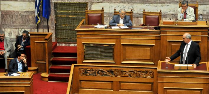 Τρεις δημοσκοπήσεις βάζουν φωτιά στο σκηνικό: Απόλυτη ισοπαλία ΝΔ-ΣΥΡΙΖΑ