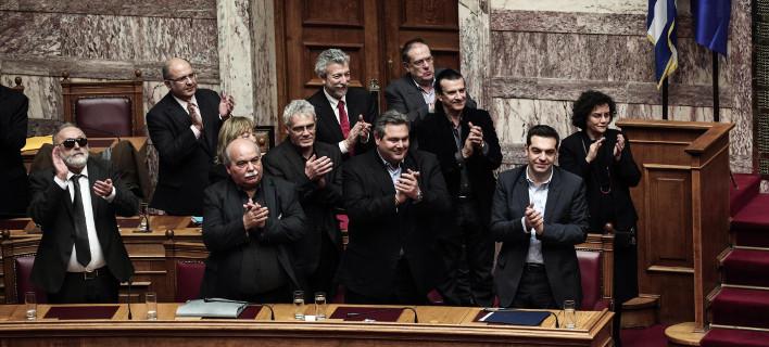 Απάντηση της κυβέρνησης στο βέτο: Κατέθεσε το νομοσχέδιο για τις 100 δόσεις