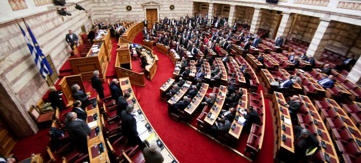 Στη Βουλή η κατάθεση του μεσάζοντα Βασίλη Παπαδόπουλου για τα όπλα στη Σαουδική Αραβία