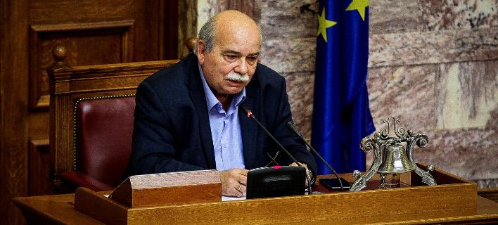 Ο Νίκος Βούτσης (Φωτογραφία: EUROKINISSI/ ΠΑΝΑΓΙΩΤΗΣ ΣΤΟΛΗΣ)