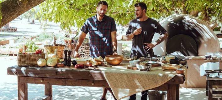 Μαγειρεύοντας για το Voyager, Φωτογραφίες: akispetretzikis.com