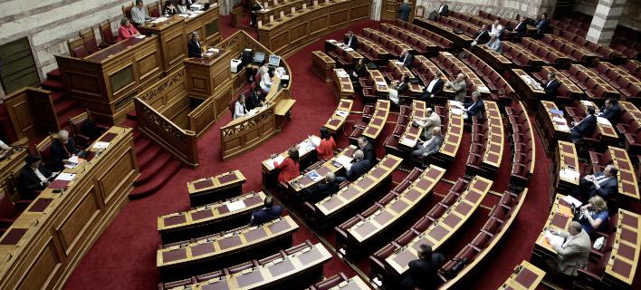 ΝΔ: «Στημένες» οι προκηρύξεις για τους γενικούς γραμματείς στα υπουργεία