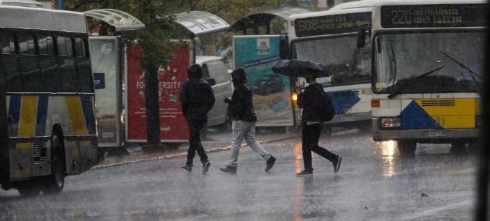 Ο Νοέμβριος χαρακτηρίζεται ως ο πιο βροχερός μήνας του έτους / EUROKINISSI/ ΓΙΑΝΝΗΣ ΠΑΝΑΓΟΠΟΥΛΟΣ