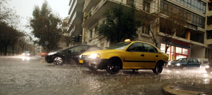 Προβλήματα σε δρόμους της Αττικής λόγω κακοκαιρίας-Φωτογραφία αρχείου: Eurokinissi/ΤΑΤΙΑΝΑ ΜΠΟΛΑΡΗ